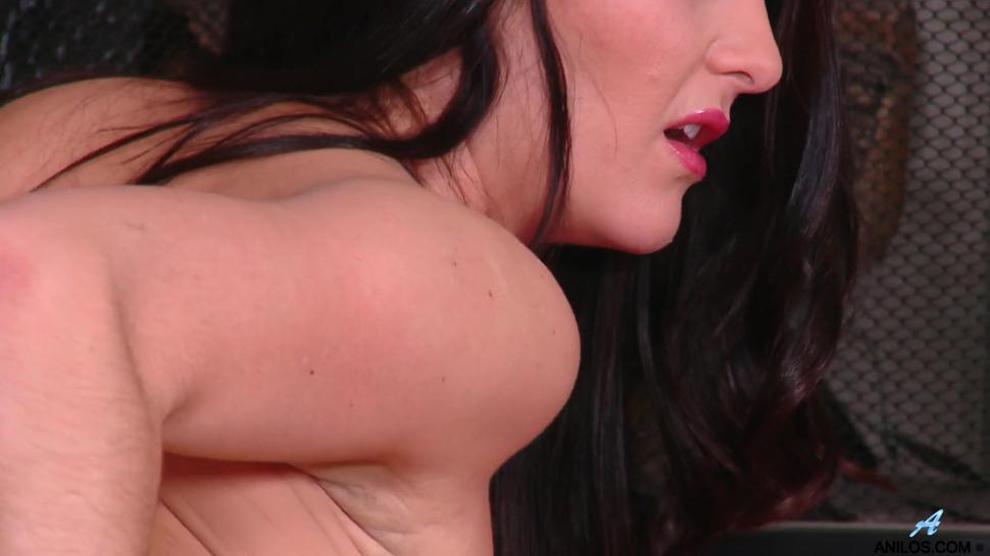 Hairy Pussy Stimulation - Bianca Breeze
