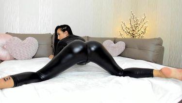 Fuck shiny leggings Spandex Porn