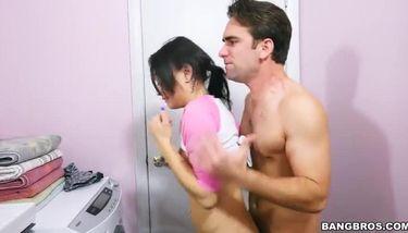 HH laundry (Holly Hendrix) TNAFlix Porn Videos