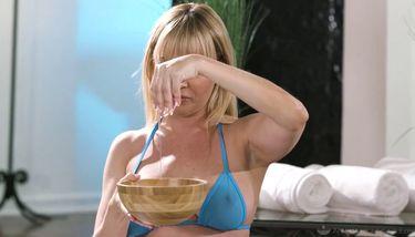 Gratis Dana DeArmond och lesbisk massös porr filmer - lesbisk porr