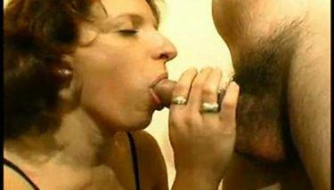 lesbian extreme anal dildo