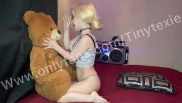Midget Tiny Texie Talking Dirty size comparison TNAFlix Porn Videos