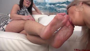 Foot worship mature Mature Foot