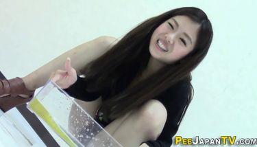 PISS JAPAN TV - Cute Japanese Babes Pee Into Glass Box TNAFlix ...