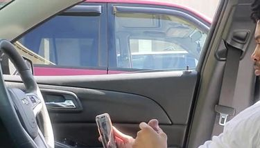 Jerking off in car for stranger In public. She tried to start a ...