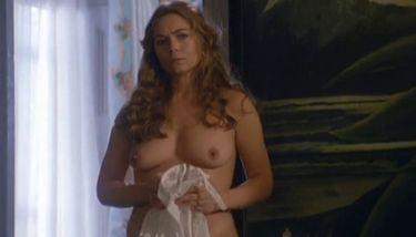 Russell  nackt Theresa Lena Headey's